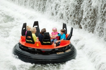 Mountain Rafting im Heide Park Resort in Aktion.